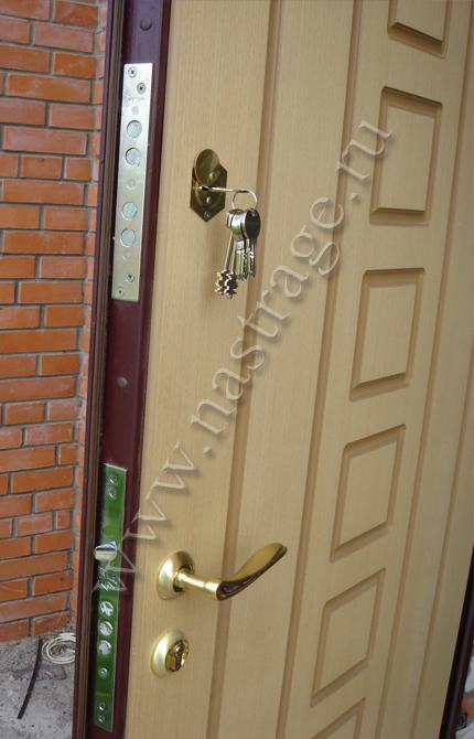 Как обновить железную входную дверь фото