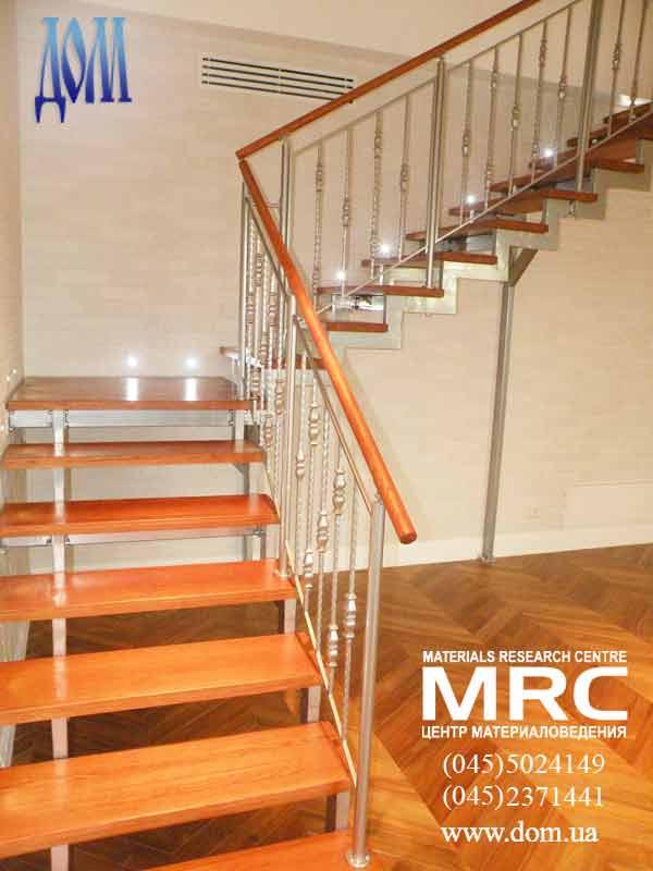 Маршевая лестница в дом